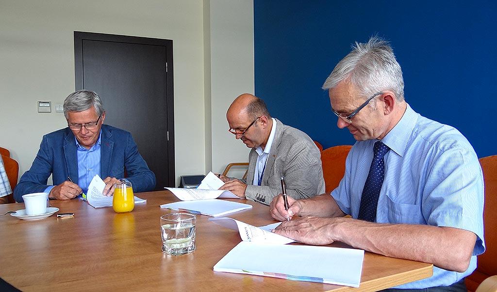aquanet-podpisanie-umowy